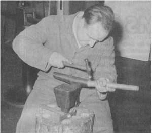 Walter Gutbrod bei der Arbeit